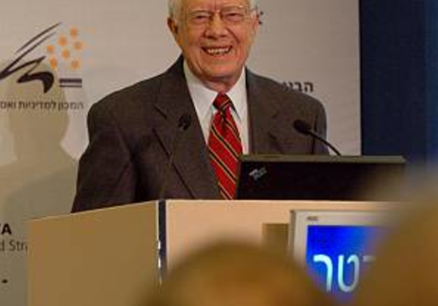 Carter defends 'Peace Not Apartheid'