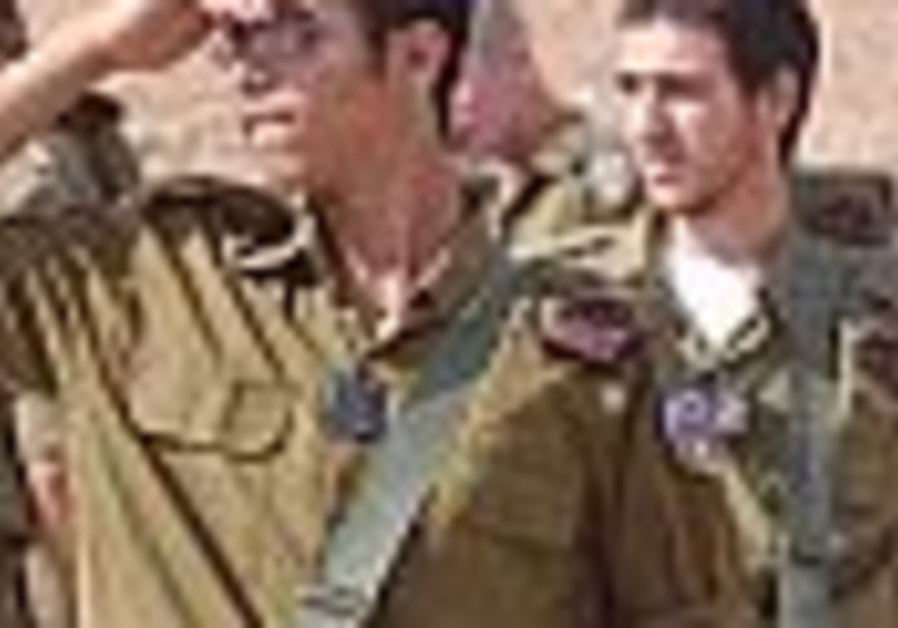 Ashkenazi asks hesder heads to mull IDF extension