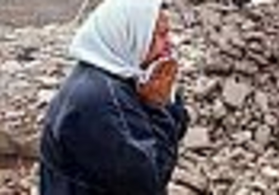 Iran: Earthquakes kill 70, injure 1,200