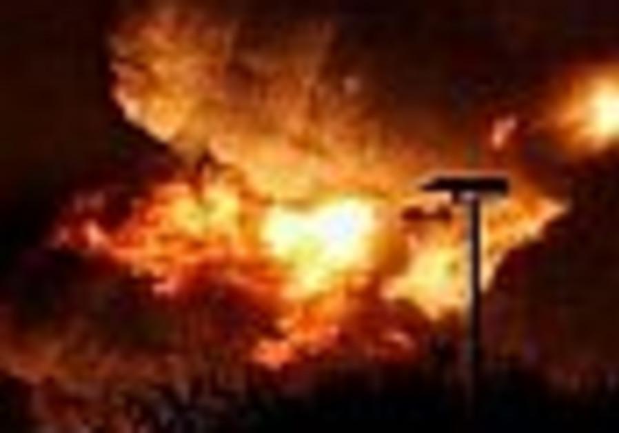 Bomb explodes at Alperon car wash