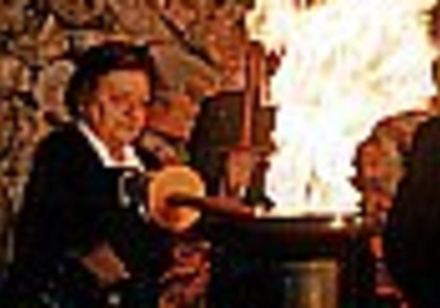 Holocaust survivors to light torches at Yad Vashem ceremony