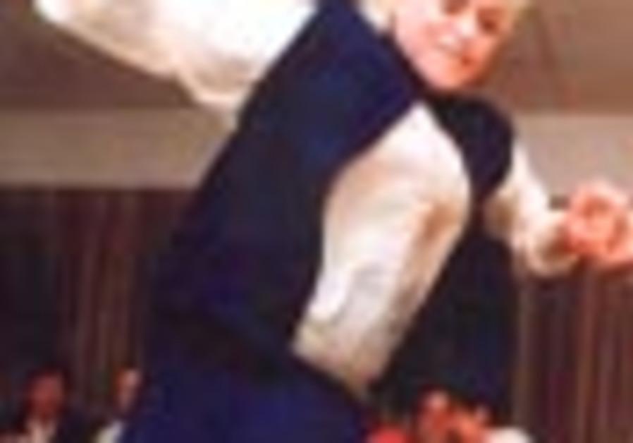senior dancing 88 298