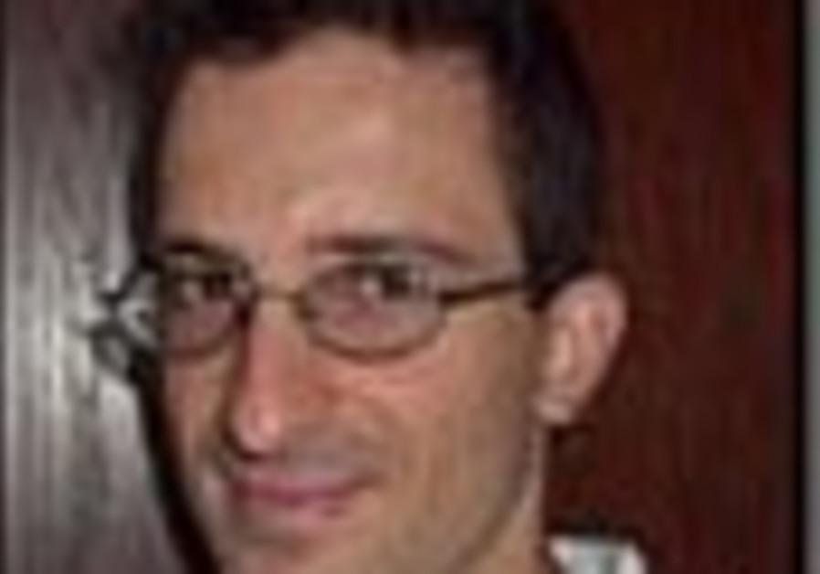 Harvard classrooms are standing-room only for popular Israeli professor