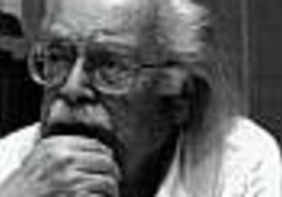 Designer who rescued 406 Jews in Nazi-occupied Netherlands dies