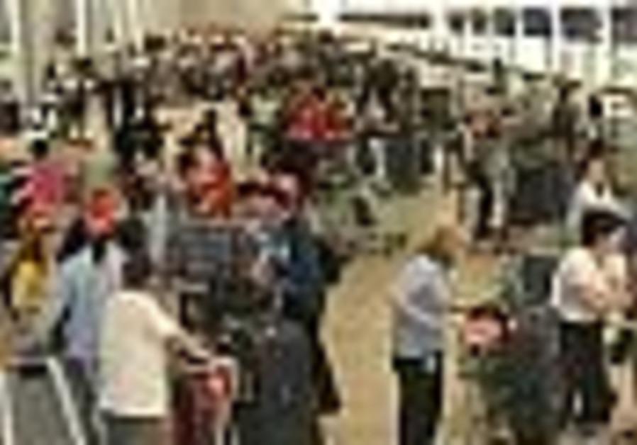 Airport customs, VAT staff halt sanctions until holidays over