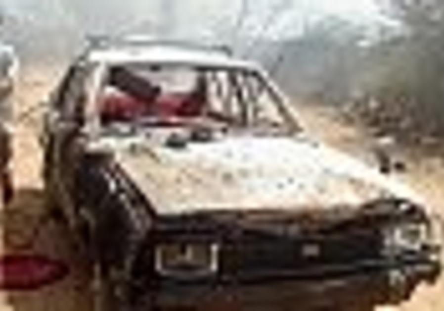 Somali president escapes suicide bomb attack