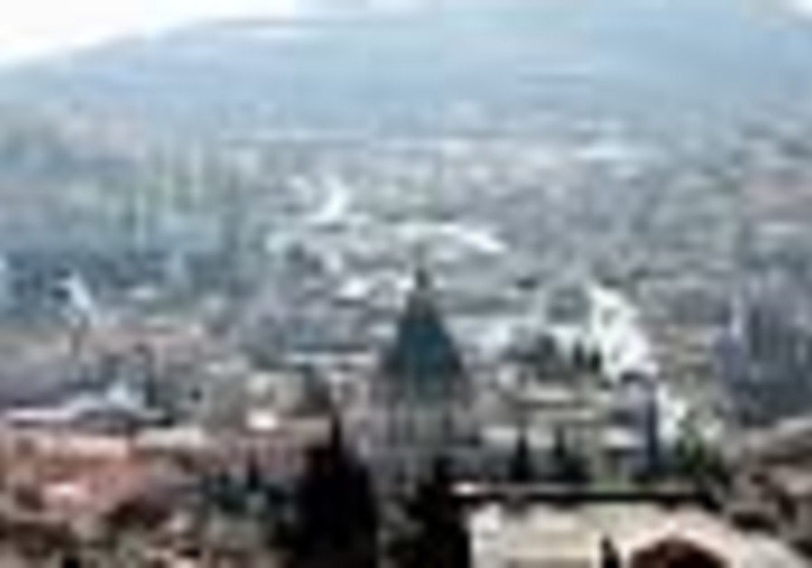 Nazareth mayor starves for salaries
