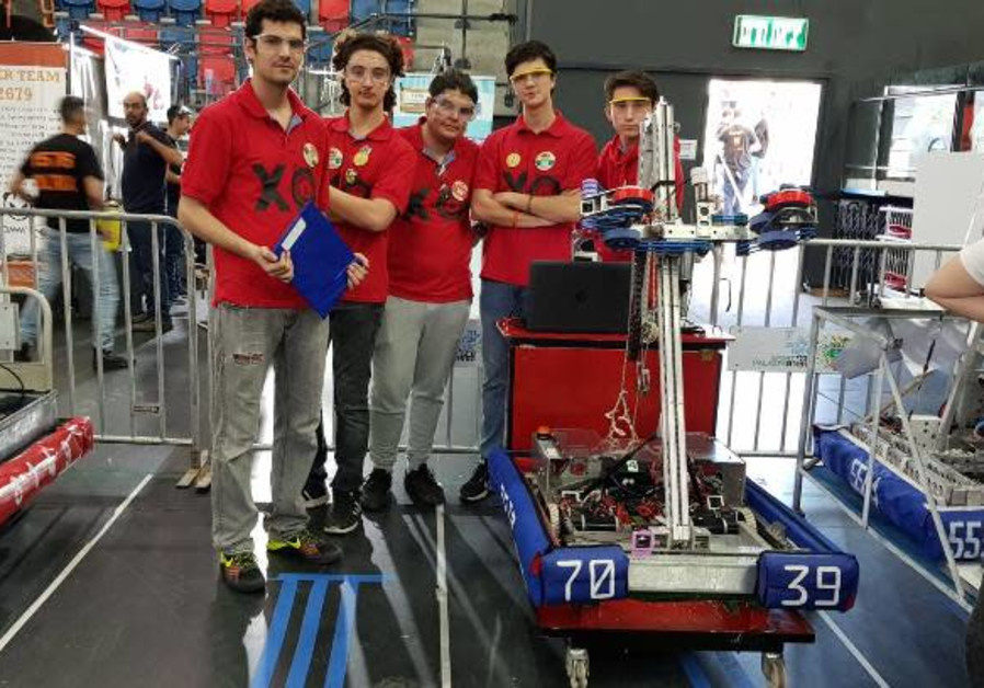 Hadassah Neurim Youth Village students show off their robot
