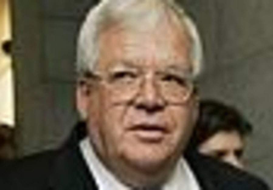Speaker Hastert testifies before panel probing sex scandal