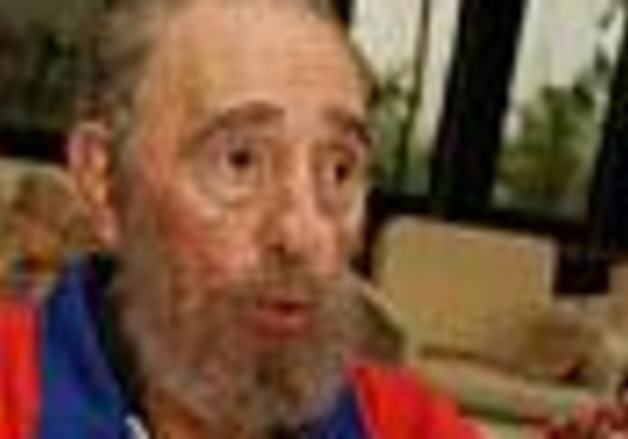 'Cuban officials say Castro to return to public life'