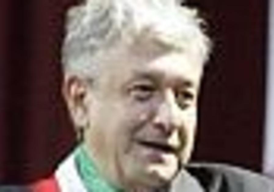Mexican leftist Lopez Obrador sworn in as head of parallel gov't