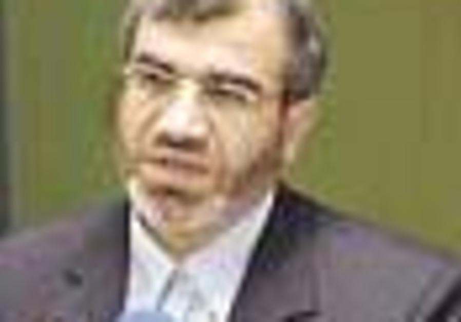 Iran: US nationals to be fingerprinted