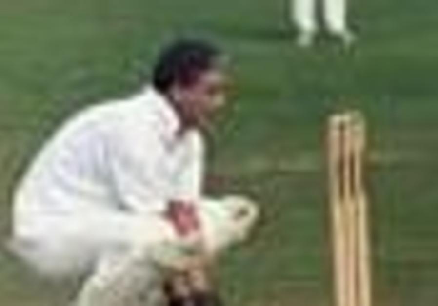 Aussies seek the clincher in Perth