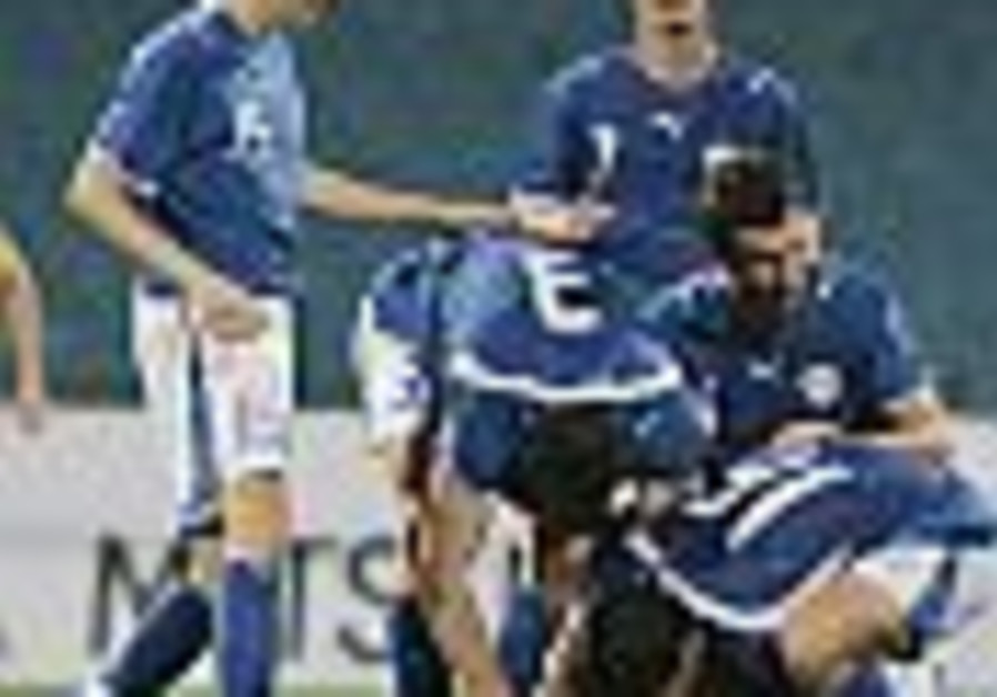 Soccer: Ukraine draw leaves Kashtan with mixed feelings