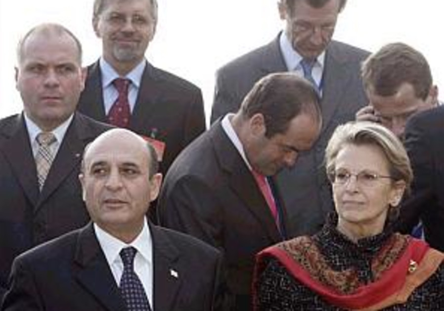 mofaz with french dm at nato meeting