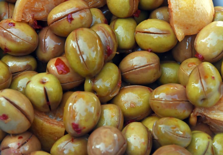 Olives / ITSIK MAROM