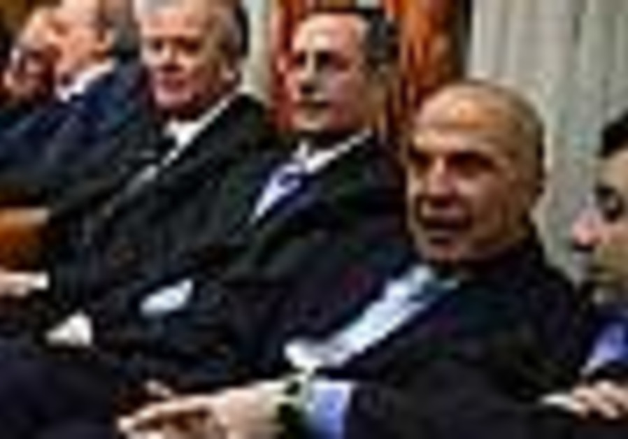 Tensions break out between Lebanese gov't factions