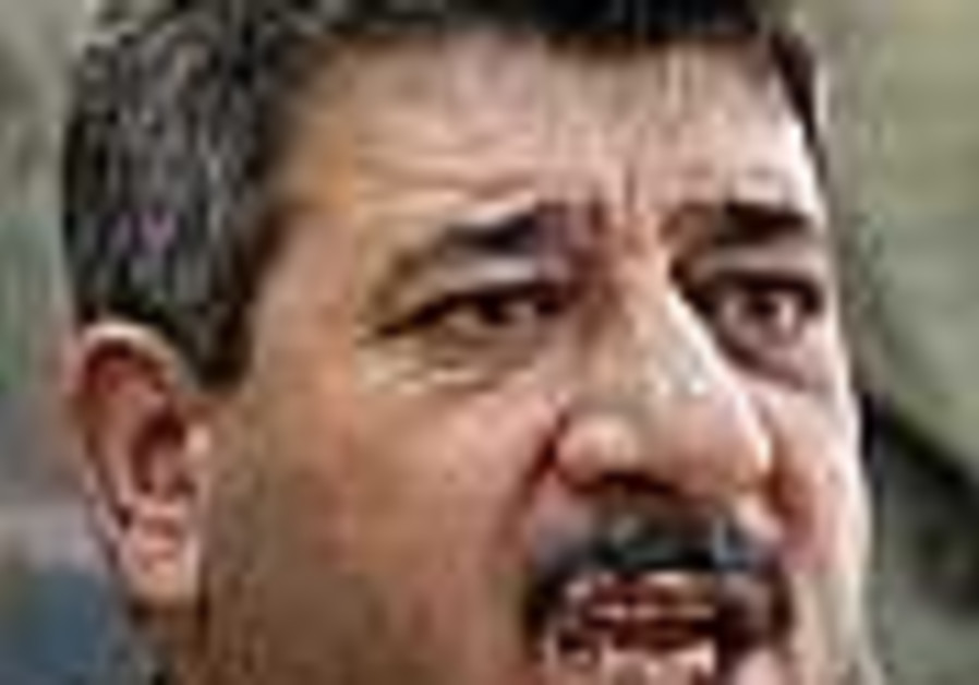 Iraq's deputy PM hurt in suicide bomb