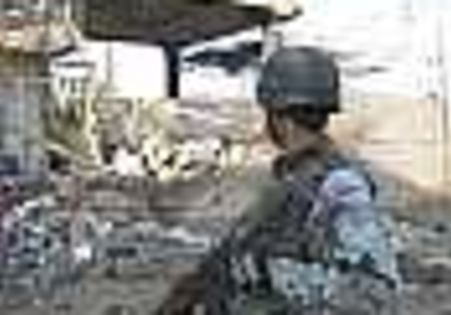 US, Iraqi forces nab suspect linked to roadside bomb cell