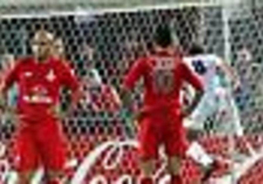 Local Soccer: Bnei Sakhnin draws Hapoel Tel Aviv