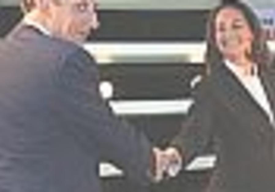 Royal, Sarkozy face off in televised debate
