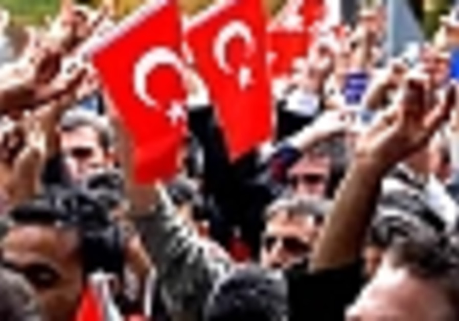 Support the secularists in Turkey