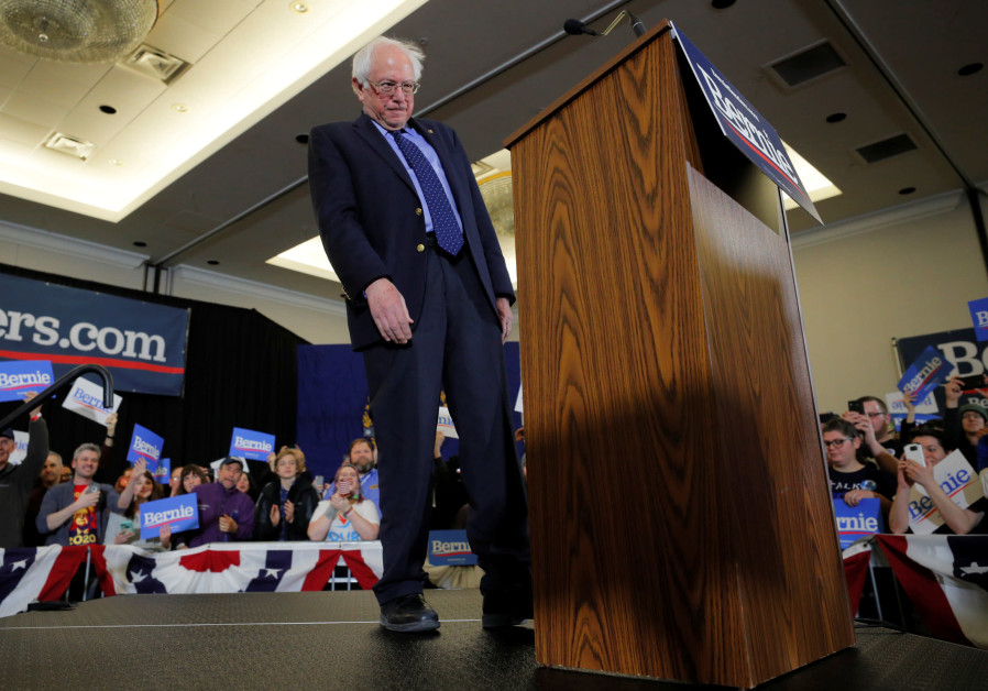Democratic 2020 U.S. presidential candidate and U.S. Senator Bernie Sanders (I-VT) takes the stage at a campaign rally in Concord, New Hampshire, U.S., March 10, 2019. / BRIAN SNYDER / REUTERS