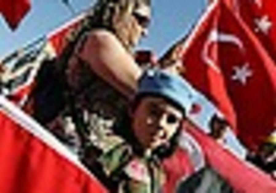 Report: PKK warns US, Iraq not to help Turkey