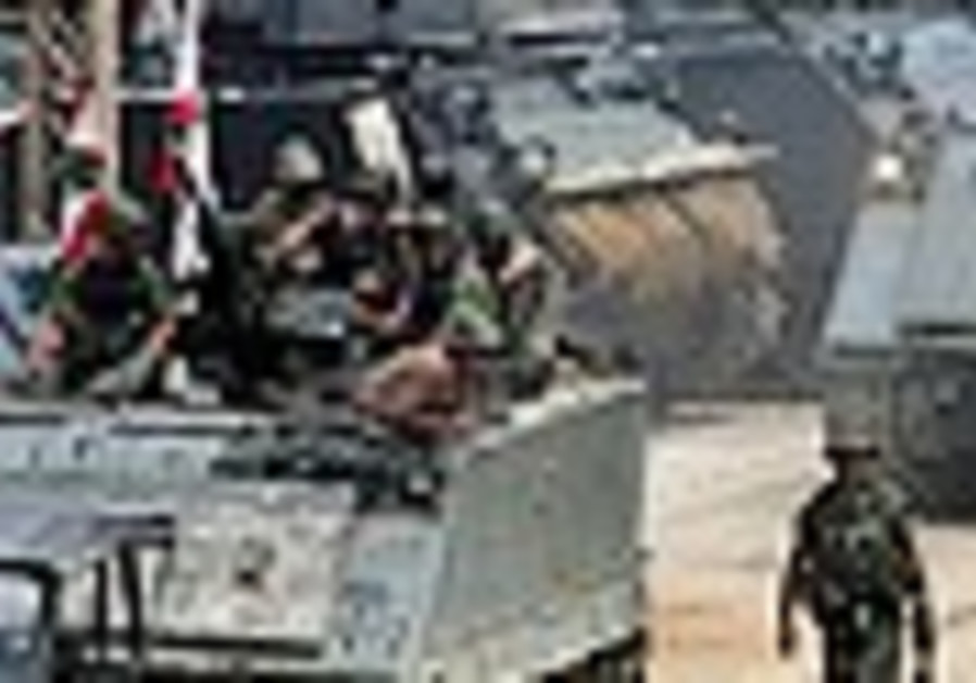 Lebanese officer, soldier killed in refugee camp clashes