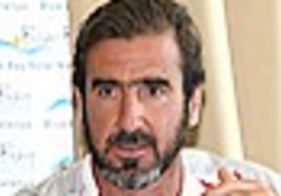 Beach Soccer: Cantona furious as France loses to Germany