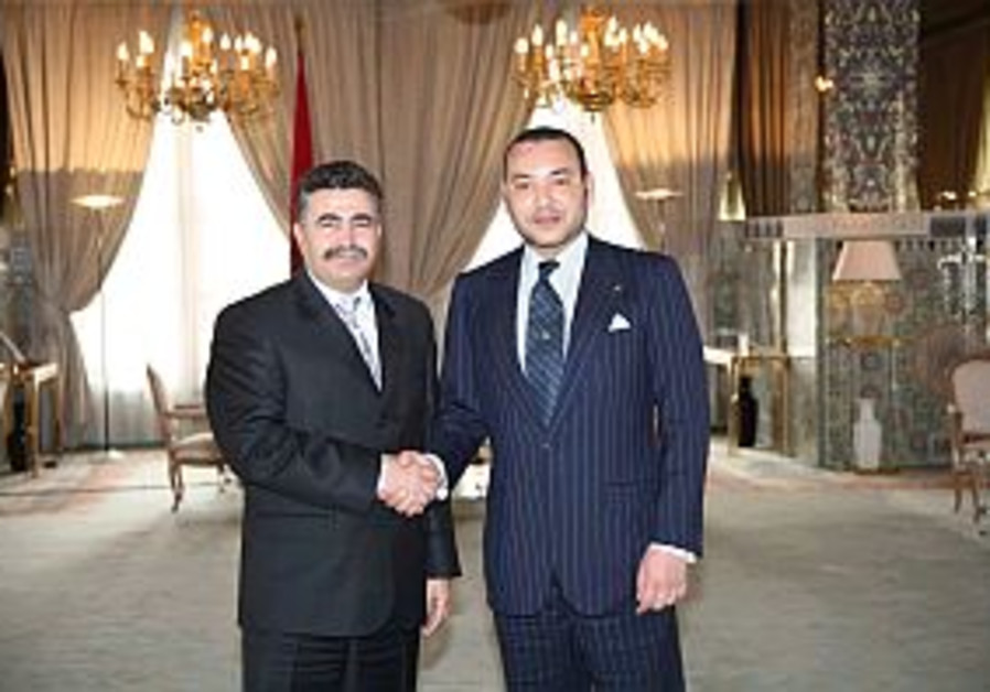 Peretz meets with Moroccan king in Fez