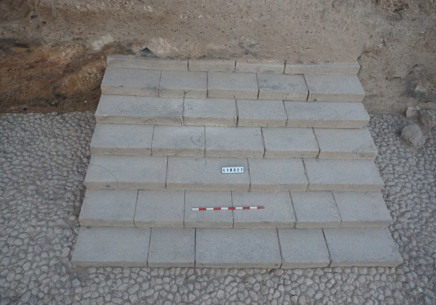 The staircase revealed at the Tel Hazor archeological site (Credit: The Keren Zelts excavations at Hazor in memory of Yigael Yadin)