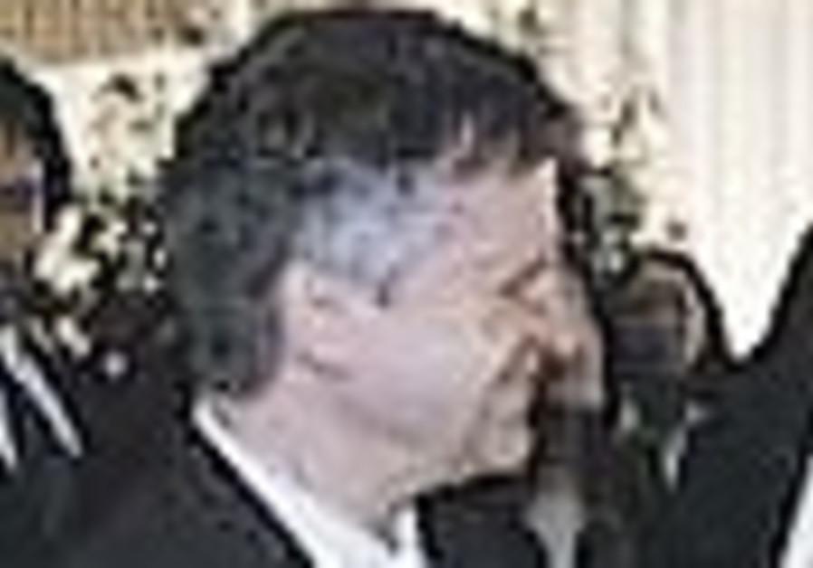 Ex-US diplomat trying to repatriate suffers pitfalls of Israeli bureaucracy