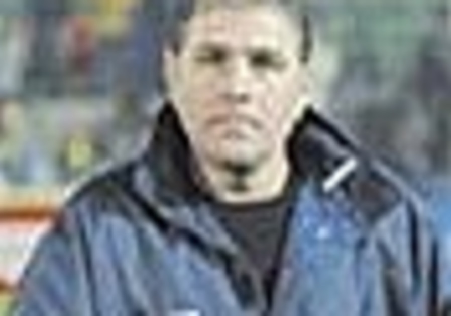 Soccer: Gutman replicates Kashtan's style off the pitch, can he bring success on it?