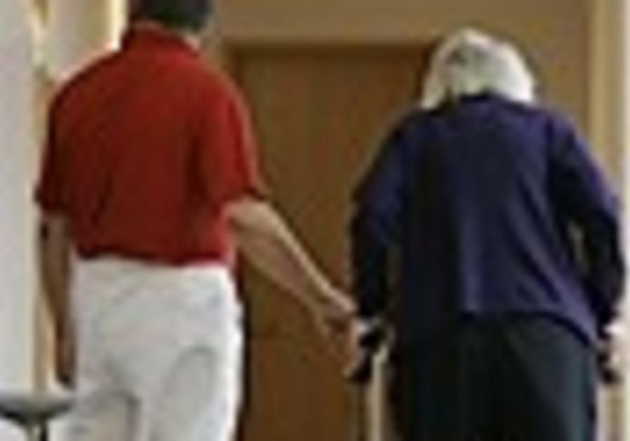 Elderly care expert: Round the clock care