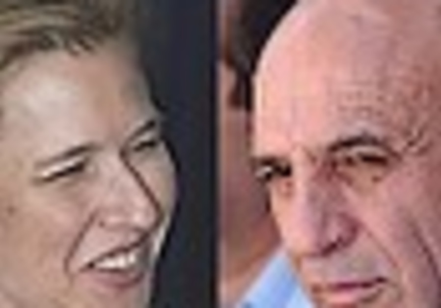 Mofaz set to refuse Livni's olive branch
