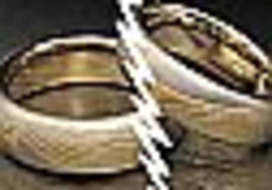 Decline in Jewish divorces due to economic downturn