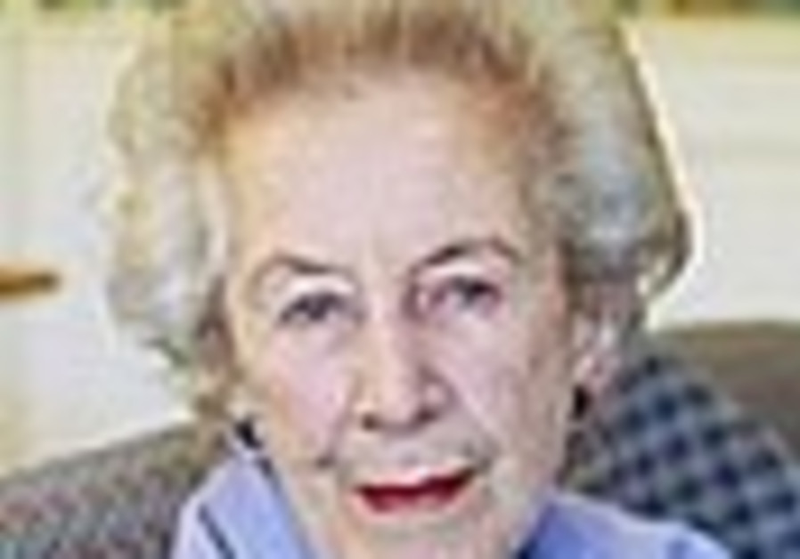 Veteran apartheid foe Helen Suzman dies at 91
