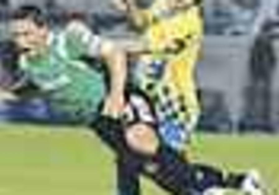 Local Soccer: Maccabi Haifa held 1-1 by Mac TA at Bloomfield
