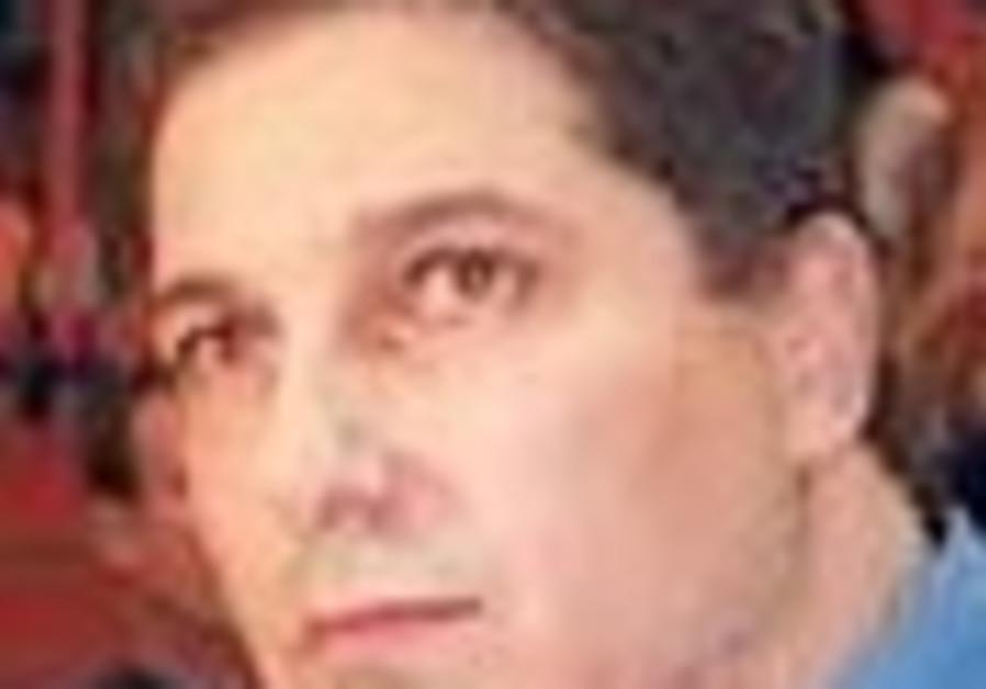 Local Hoops: Mac Haifa brings back Ashkenazi