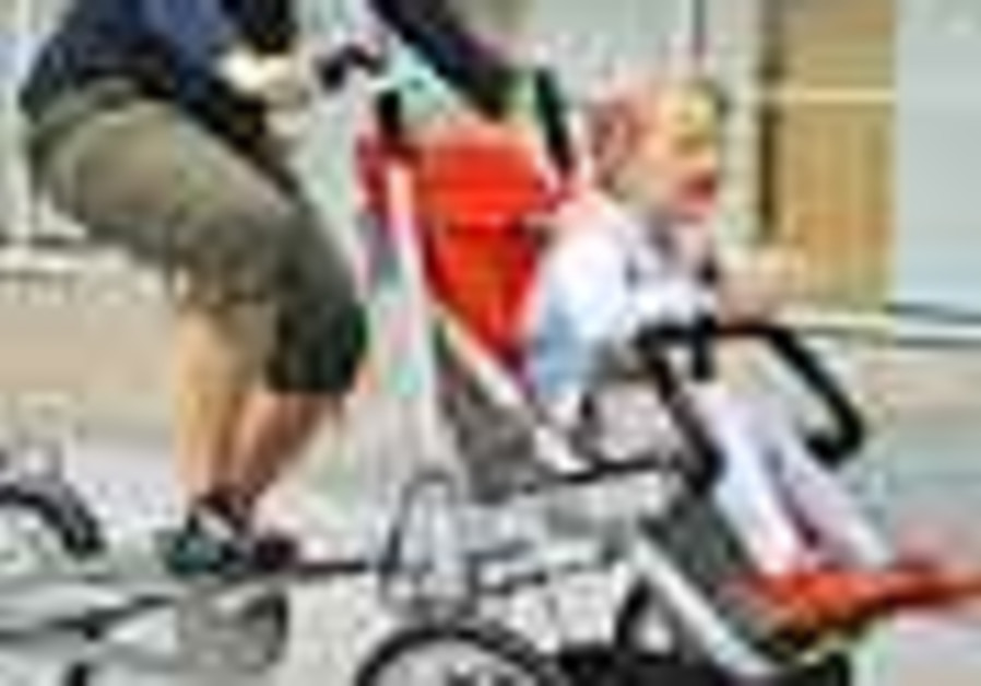 Israeli-Dutch bike-baby carriage hybrid hopes to stroll to success