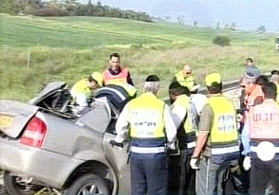 Mother, 2 children killed in collision