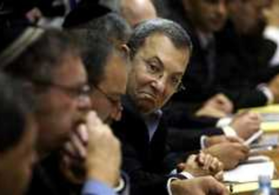 Barak: Selling arms to Iran, Syria risky