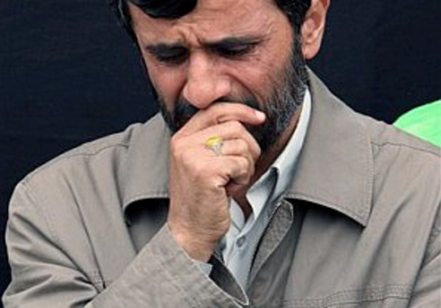 Ahmadinejad warns not to strike Syria