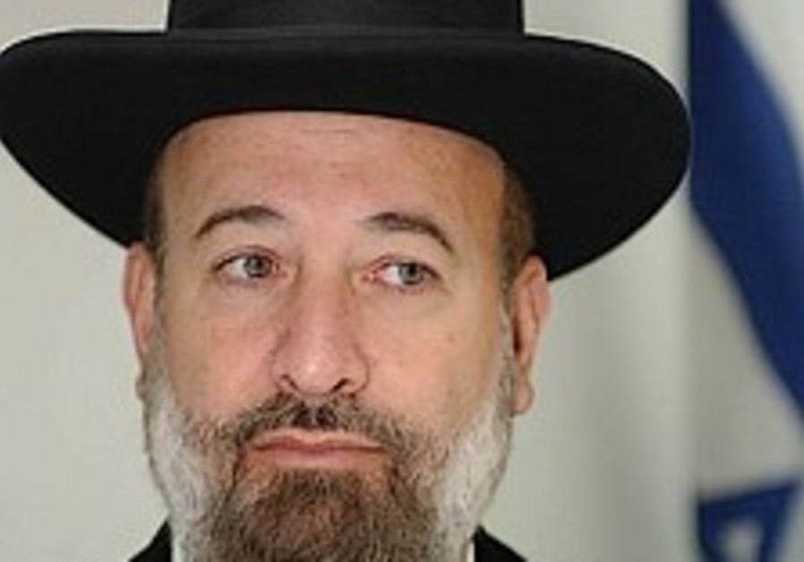 Chief rabbi urges Islamic leaders to work for soldiers' release