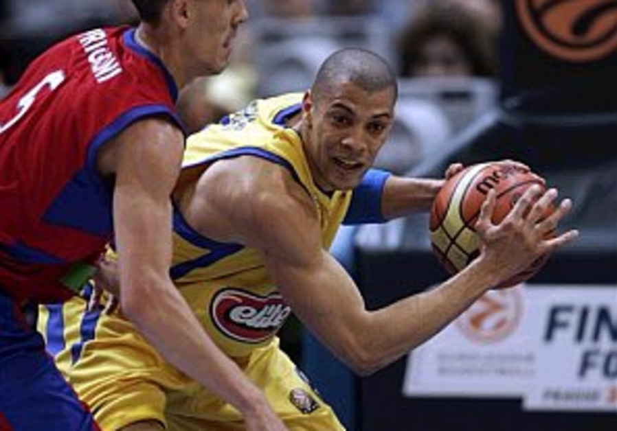 Maccabi to face CSKA for title