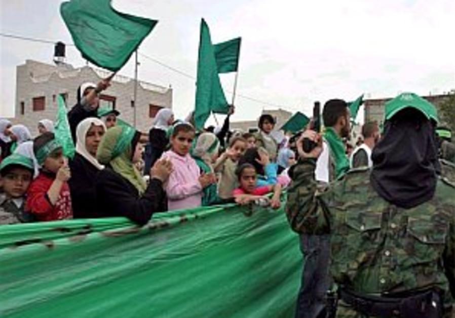 Peretz: Syria responsible for Shalit
