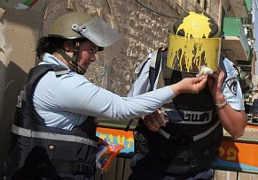 police, settler clash n hebron 298 ap