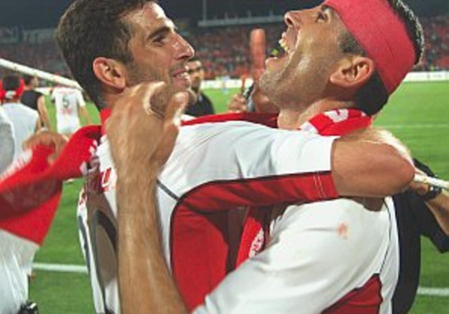 Hapoel and Maccabi Tel Aviv hope to make up lost ground