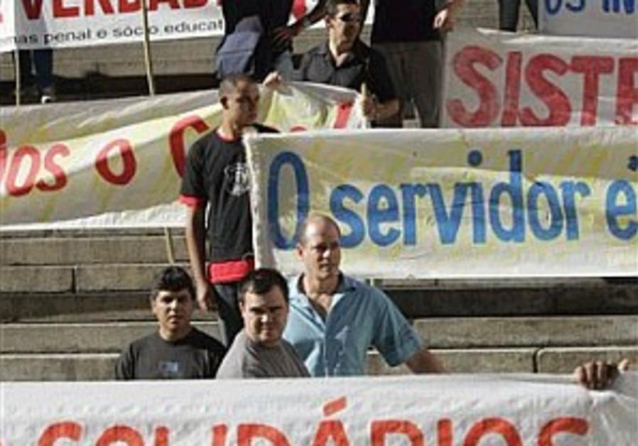 155 dead as Sao Paulo violence rises